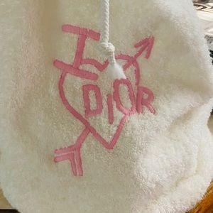 DOIR, J'adore 💖💝💗 NEW, never used! Terry clothe